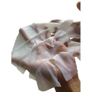 masque tissu sur main