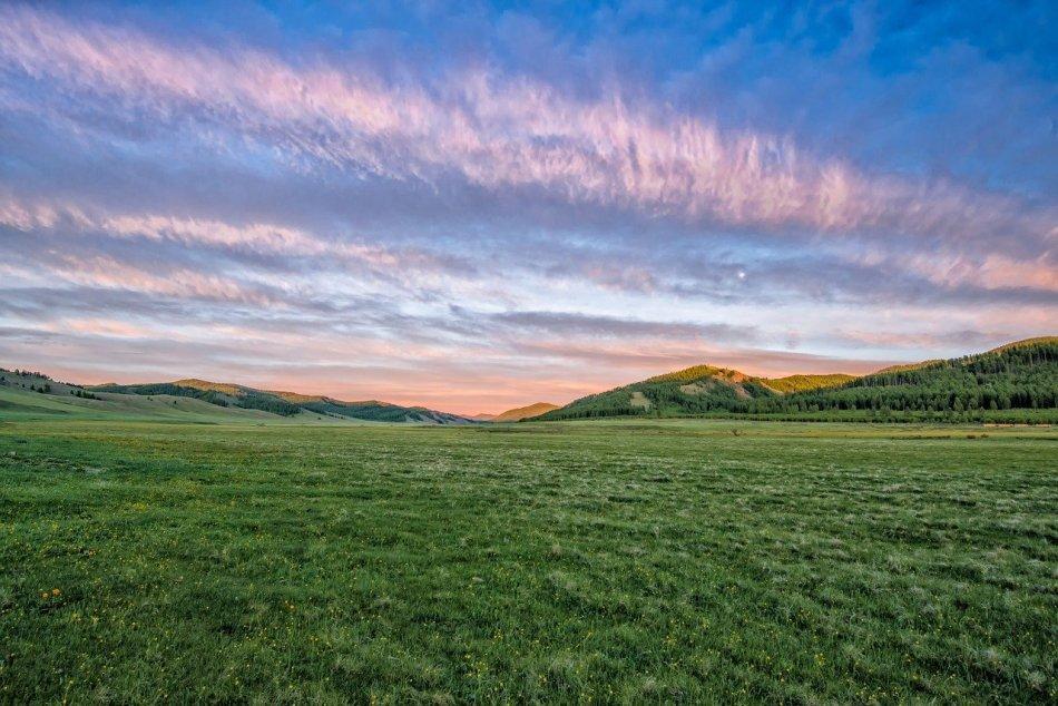 Największe skojarzenie z Mongolią to wielkie niebo