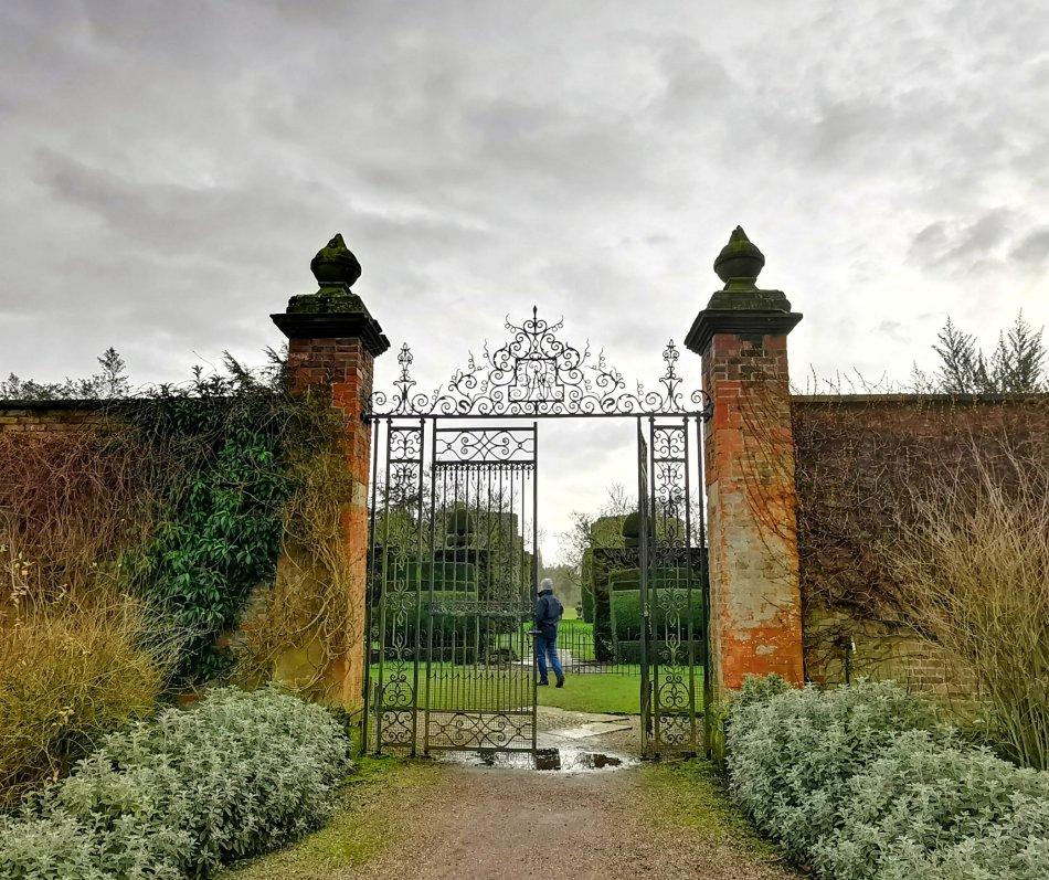 Jedna z najchętniej fotografowanych bram ogrodowych w Arley Hall