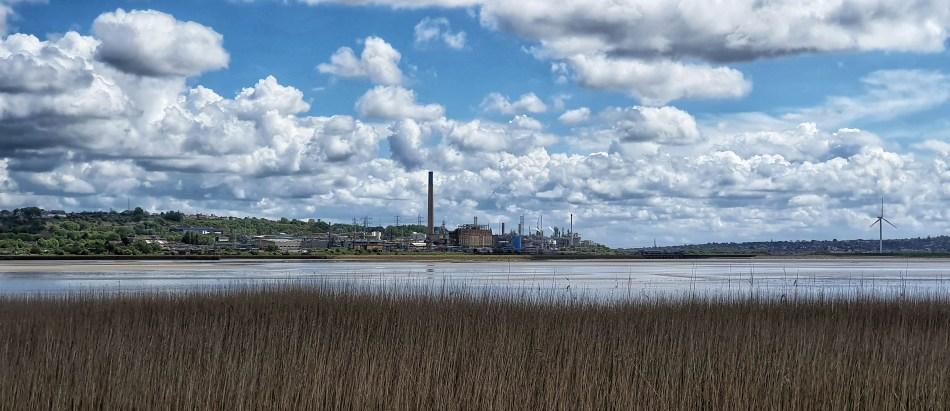 Runcorn po drugiej stronie rzeki Mersey