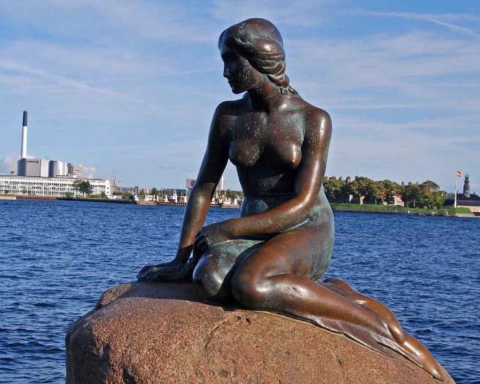 덴마크 코펜하겐 인어상에서 사진찍기