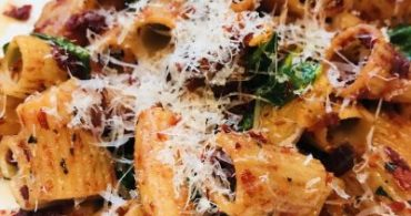 Sun-Dried Tomato Spinach Rigatoni