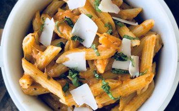 5-Ingredient Sun Dried Tomato and Mozzarella Pasta