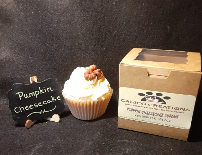 PUMPKIN CHEESECAKE CUPCAKE