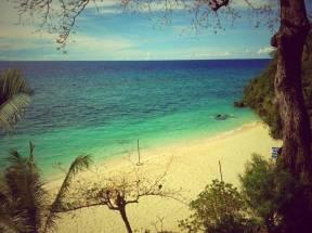 Alegre Beach Resort and Spa offers a fine white sand beachfront.