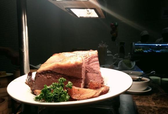 Roast beef Grand Majestic buffet.