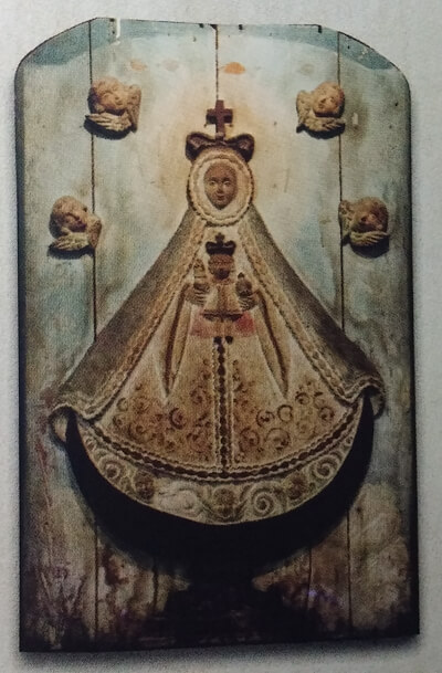 Virgen de regla bas relief
