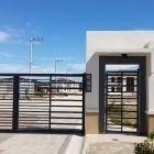 Pueblo de Oro Park Place gate