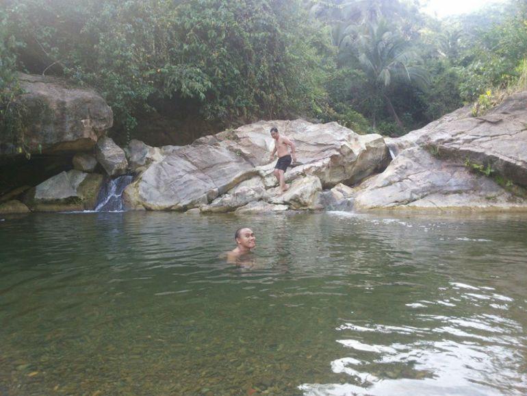 mtb-tour-waterfall-break