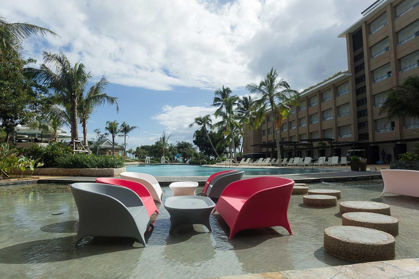 Be Grand Resort Bohol wet dining.