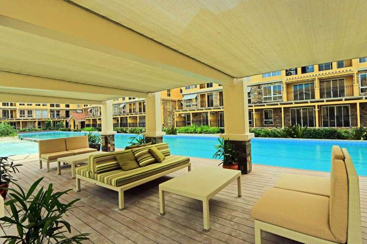 Pool deck in Amalfi. (Photo: Filinvest)