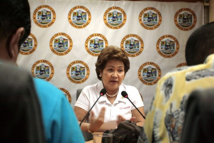 Lapu-Lapu City mayor Paz Radaza says another candidate is trying to lure voters by giving them insurance cards. (Photo from www.news.lapulapucity.gov.ph)