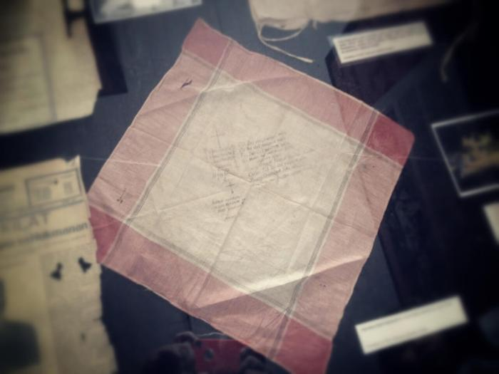Leon Kilat handkerchief