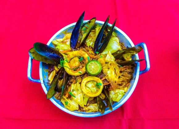 Seafood sotanghon.