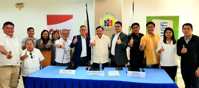 ILOILO ROLLOUT. Smart will install Google Station in the Iloilo City Hall, the Esplanade, La Paz Plaza, and Mandurriao Plaza, as well as in the Cultural Heritage Tourism Zones of Jaro Plaza Complex, Molo Plaza Complex and Plaza Libertad Complex.
