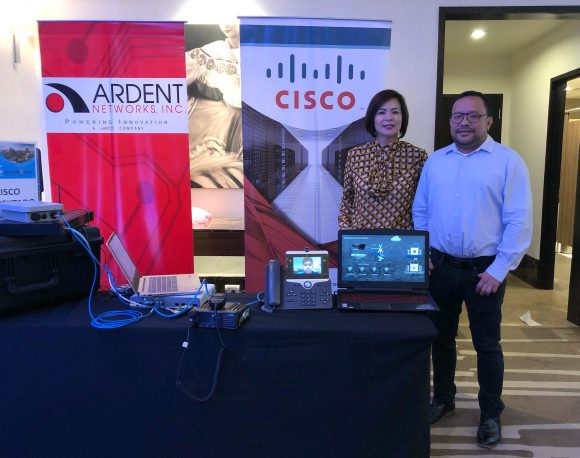 NETWORK IN A BOX. Cisco Philippines Managing Director Karrie Ilagan and Partner Account Manager for Sales Bong Rollan with the Cisco KONEKTADO solution that helps local government and responders prepare for and deal with disasters.
