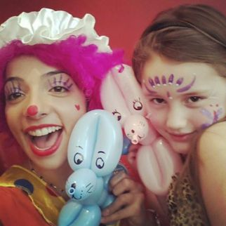 balloons; kids parties; face painting sydney; clown party sydney; princess party sydney; balloon twisting sydney; elsa party sydney; sydney entertainment; children's party entertainer; kids party host; little bay entertainment
