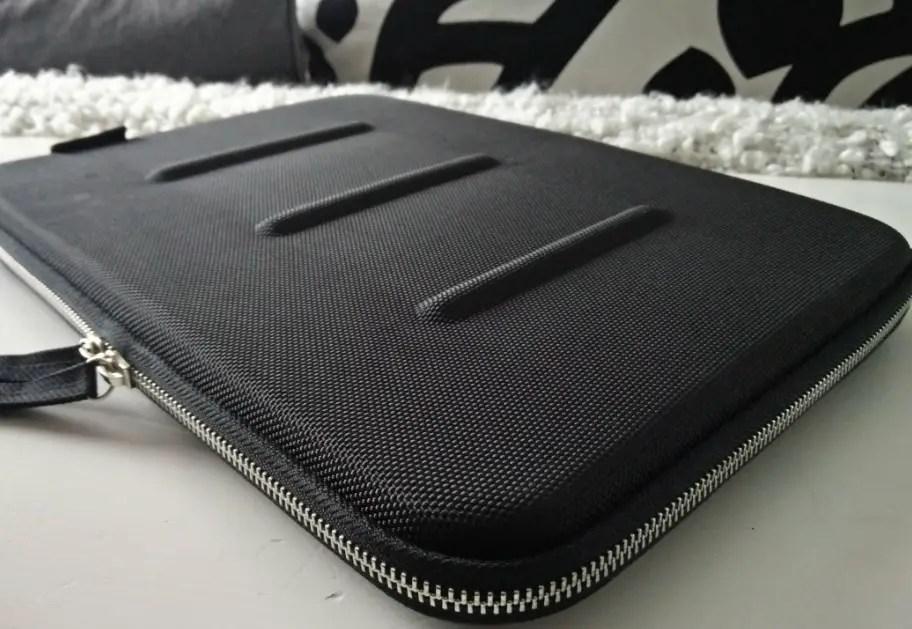 booq-graphite-5