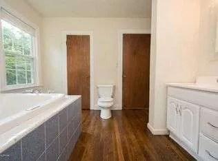master bathroom old layout 5