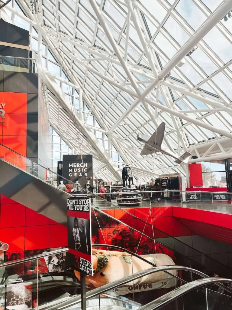 Rock and Roll Hall of Fame Musuem best things To Do in Cleveland Ohio, what to do in Cleveland, Ohio