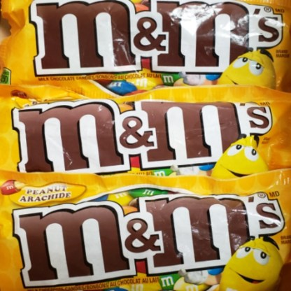 M&M's Peanut Chocolate Candy 75 Gram