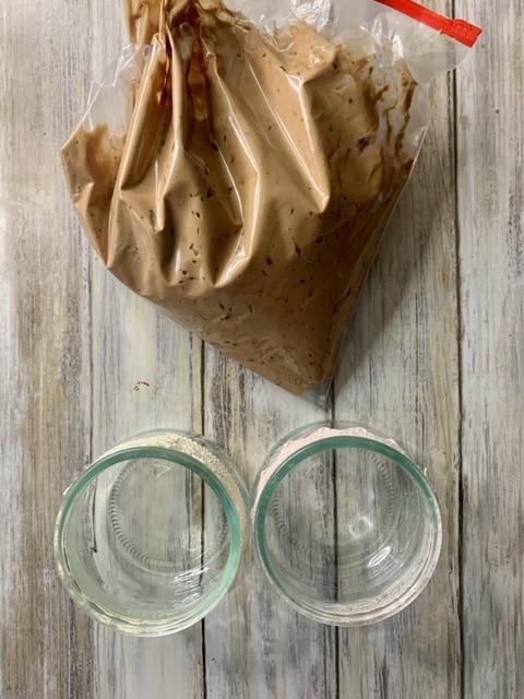 Rellenamos los vasitos con el Mousse