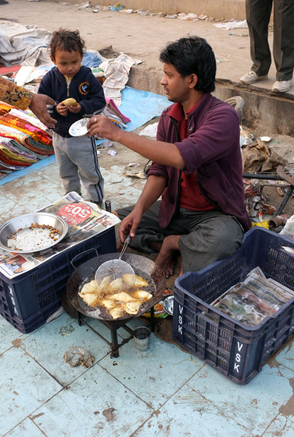 street-food-vendor-delhi