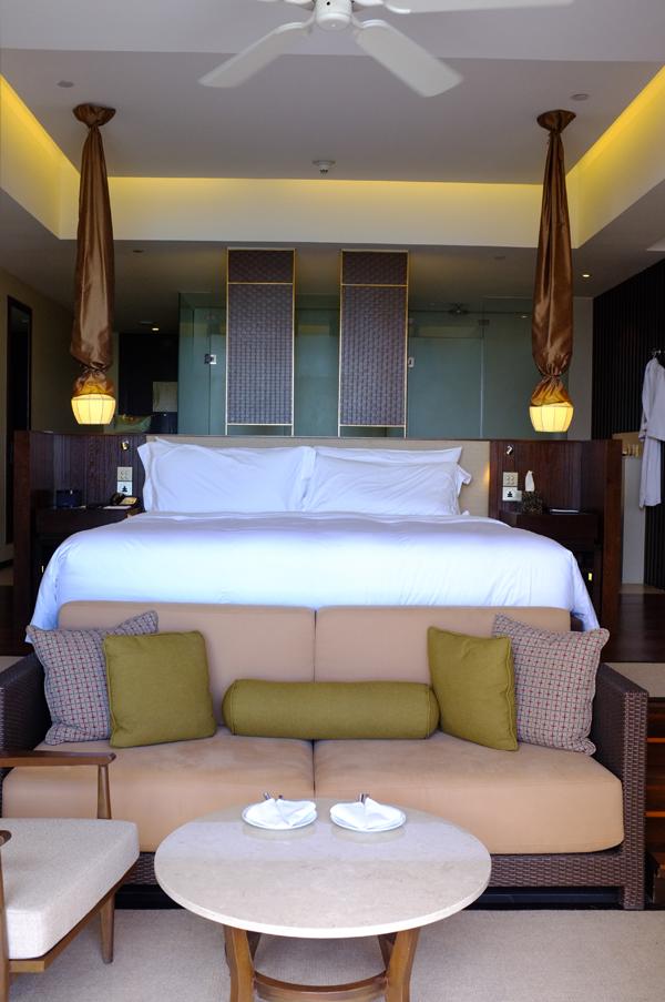 vana-belle-pool-suite-2