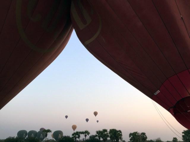 ballon-over-bagan-7