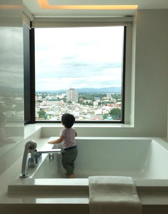 le-meridien-executive-suite-bath-2