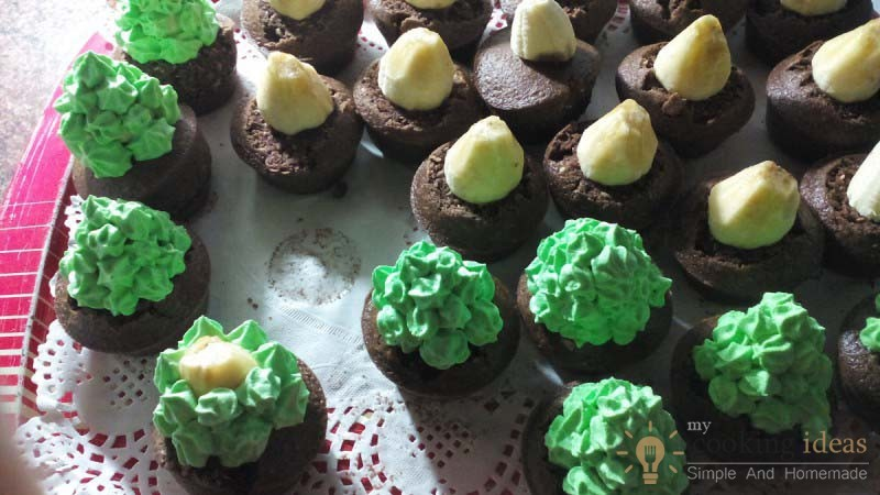 Cute Christmas Tree Muffins