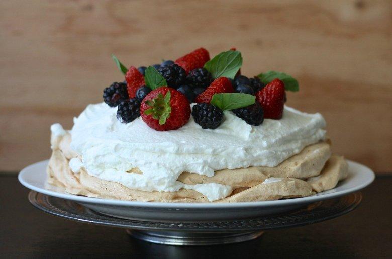 mary berry easter pavlova recipe