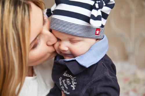 El porteo, mucho más que un beneficio para el bebé y sus papás