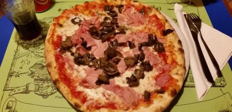 Pizza at Pizzeria Savonarola