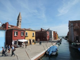 Burano and the continuously barking minuscule dog