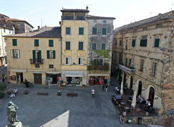 Piazza di Sarteano