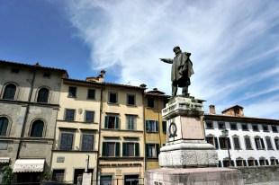 Garibaldi pointing to Rome