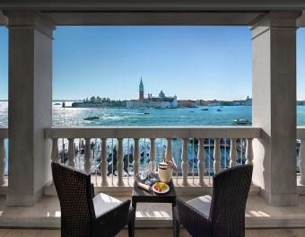 View ©Londra Palace