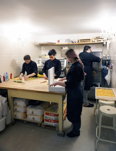 Making tortelli