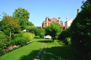 Martina Vidal garden