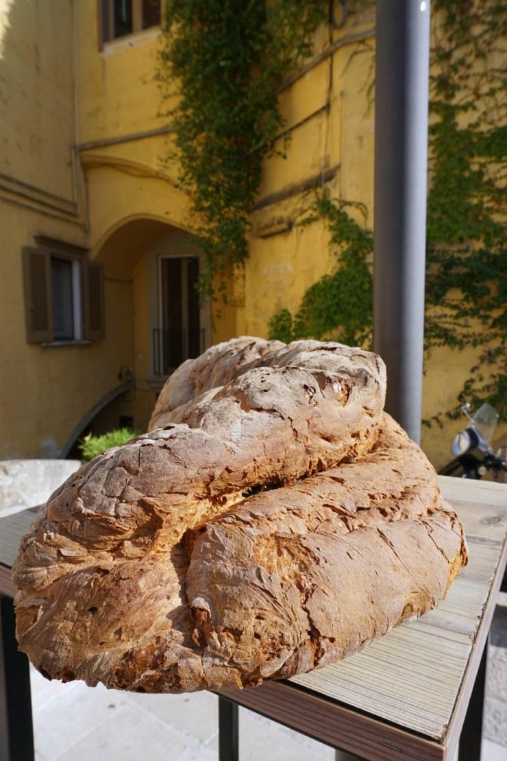 Matera pgi bread