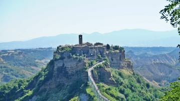 To stay in Civita di Bagnoregio