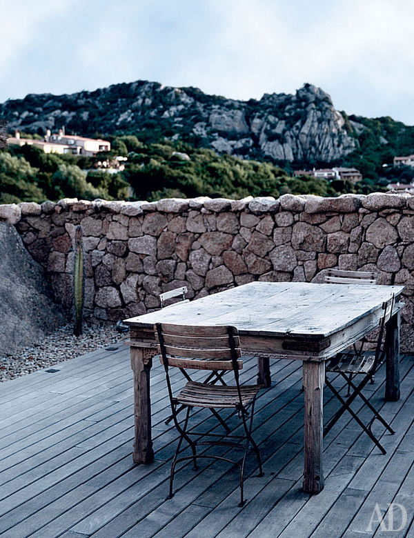 Lovely white summer house in Sardinia, Italy | My Cosy Retreat