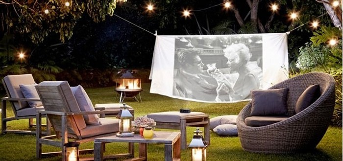 Summer bliss: backyard movie night | My Cosy Retreat