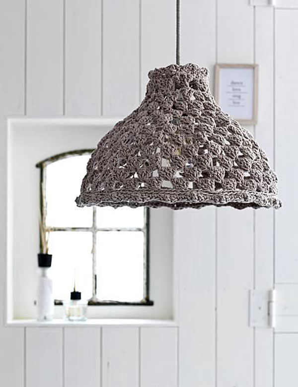 Lovely knitted lamps ideas to warm up your home   My Cosy Retreat