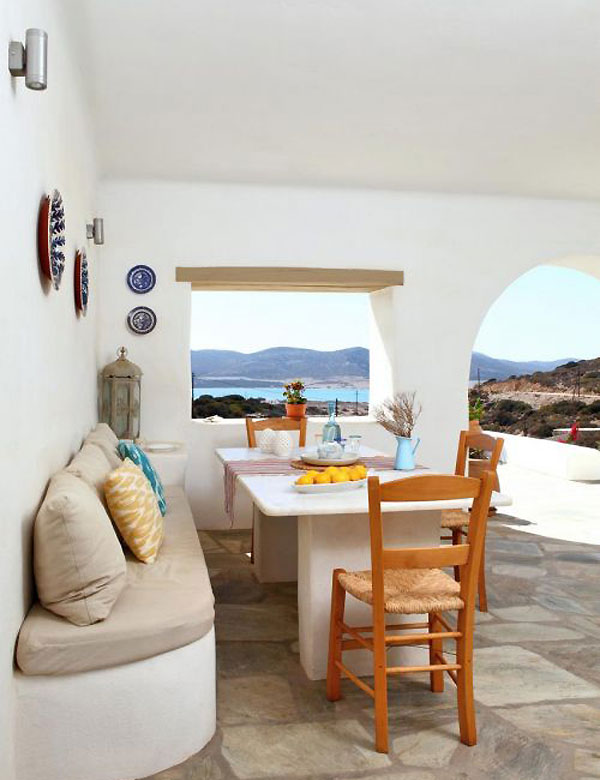 A colorful Greek holiday villa on the island of Antiparos | My Cosy Retreat