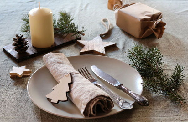 A natural Christmas tablescape | My Cosy Retreat