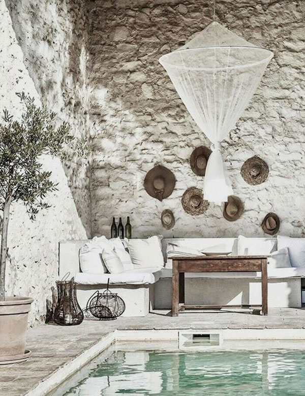 How to decorate your wall with straw hats, bags and baskets | My Cost Retreat