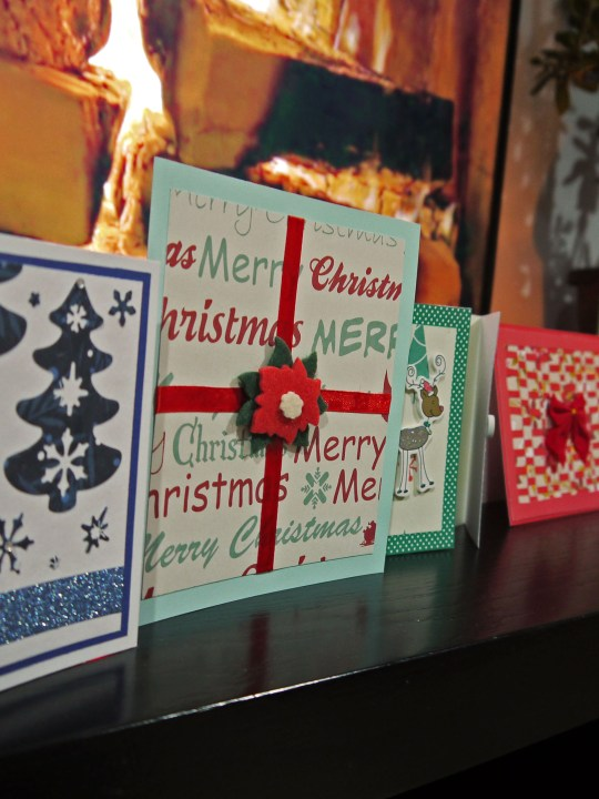 Are you looking for some easy Christmas card ideas?