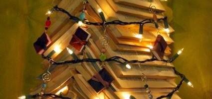 Ein paar Bücher-Weihnachtsbäume